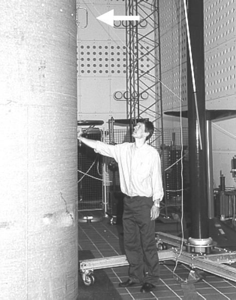 1999年测试风机上的雷电报警传感器